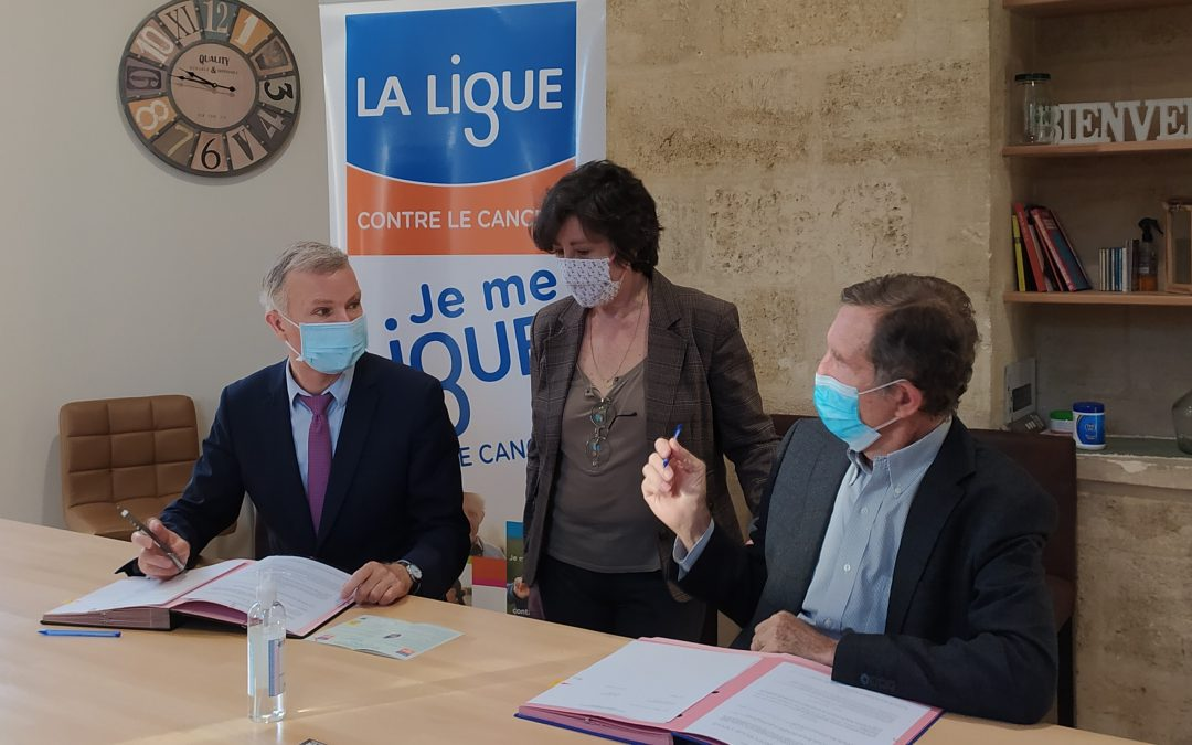 Signature officielle d'une convention entre le CHU de Bordeaux et la Ligue contre le cancer Gironde